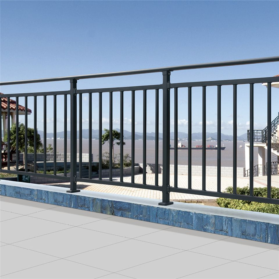 Modern simple grill design for balcony guardrail railing ...