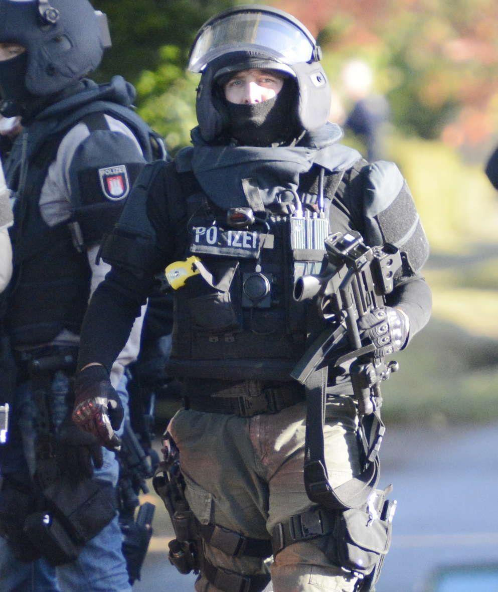members of one of germany's police special units sek mek