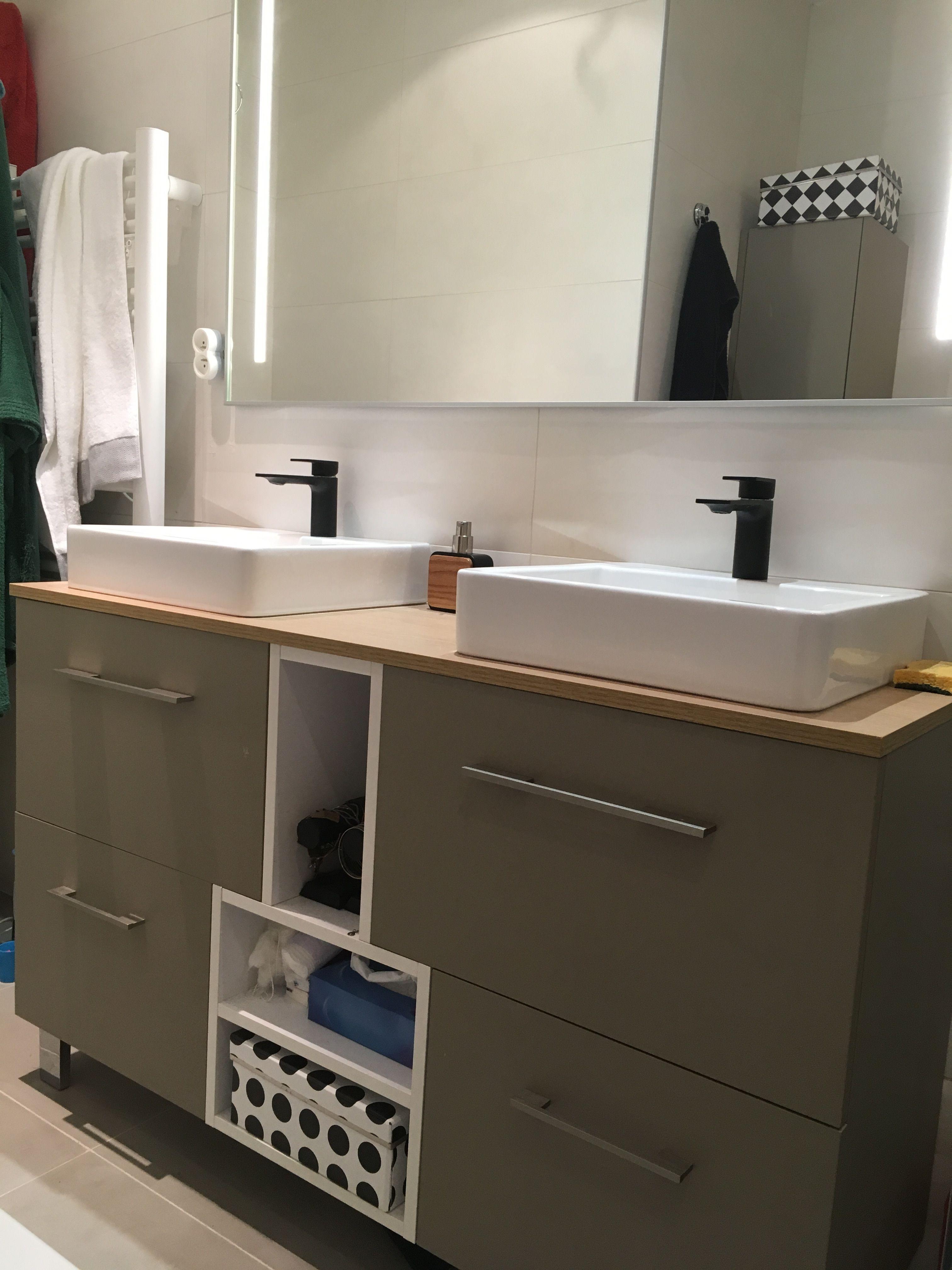 meuble de salle de bain fait sur mesure 4 tiroirs 2 niches couleur