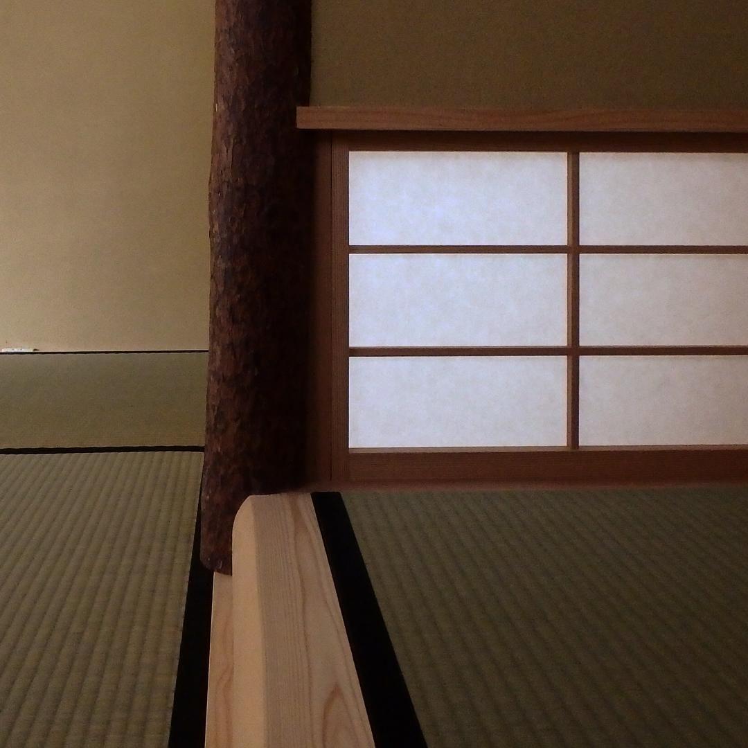 Frontdesign On Instagram 床の間 床柱を横から見たところ 床柱は