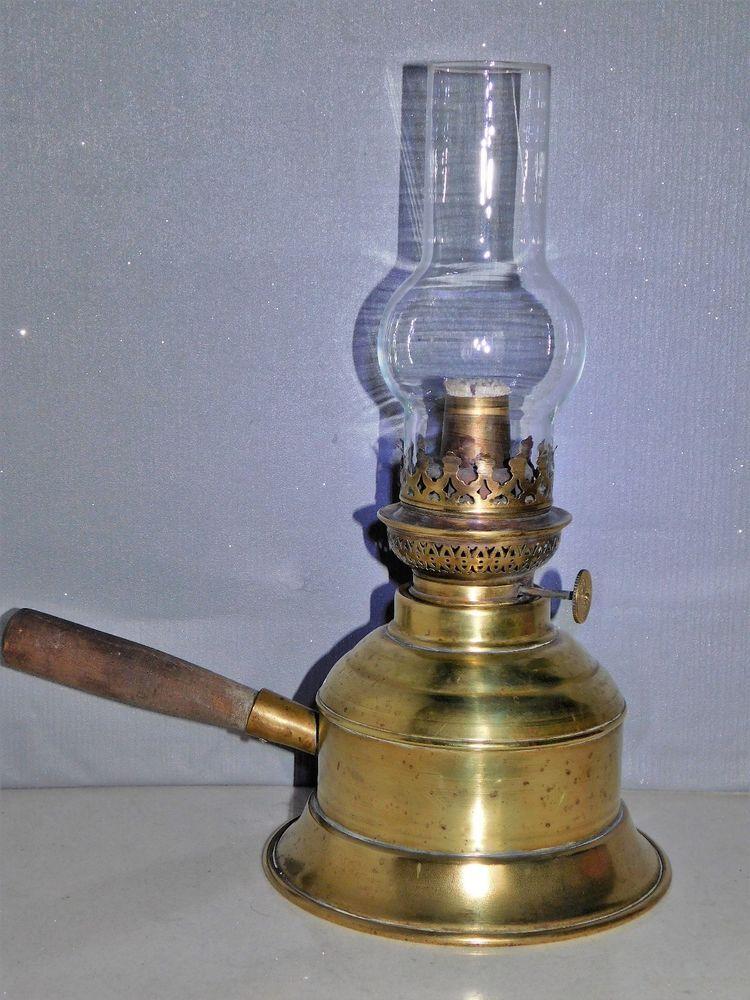 Lampe A Petrole Ancienne En Cuivre Avec Manche En Bois Deco Retro