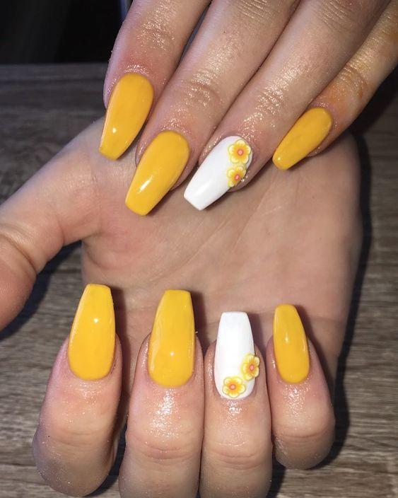 61 Trendy Yellow Nail Designs 2019 Yellow Nails Design Yellow Nails White Acrylic Nails