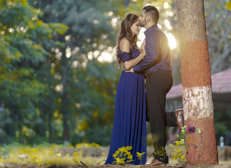 Best Pre Wedding Photographer In Pune Mumbai India In 2020 Wedding Photoshoot Poses Wedding Photoshoot Pre Wedding Photoshoot
