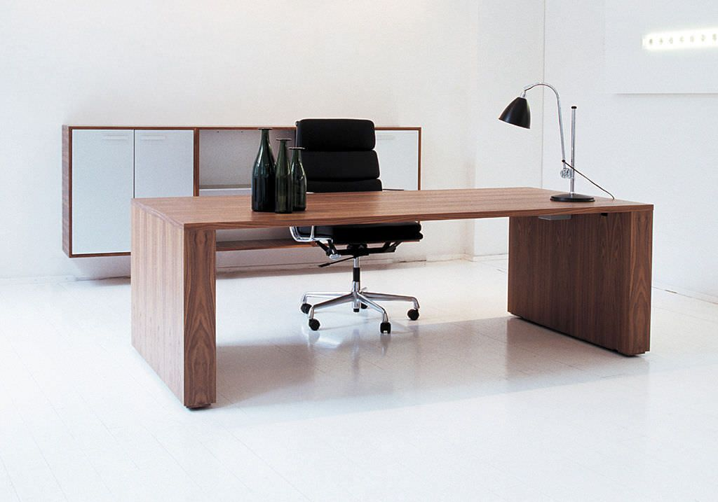 Modern wood desk contemporary office desk wood pbstudiopro for Modern office furniture pictures