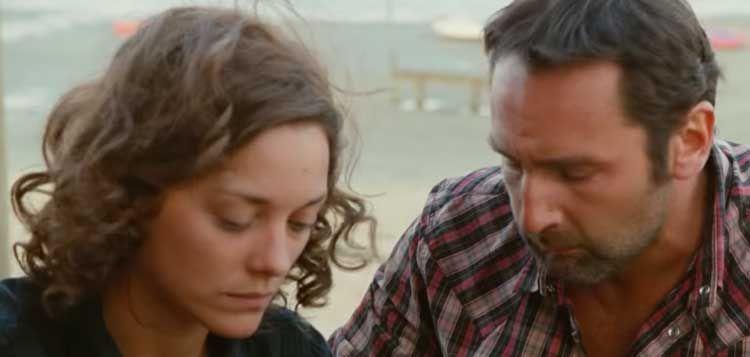 femme le prix reste stable comment trouver Les Petits Mouchoirs, le film qui porte bien son nom ...