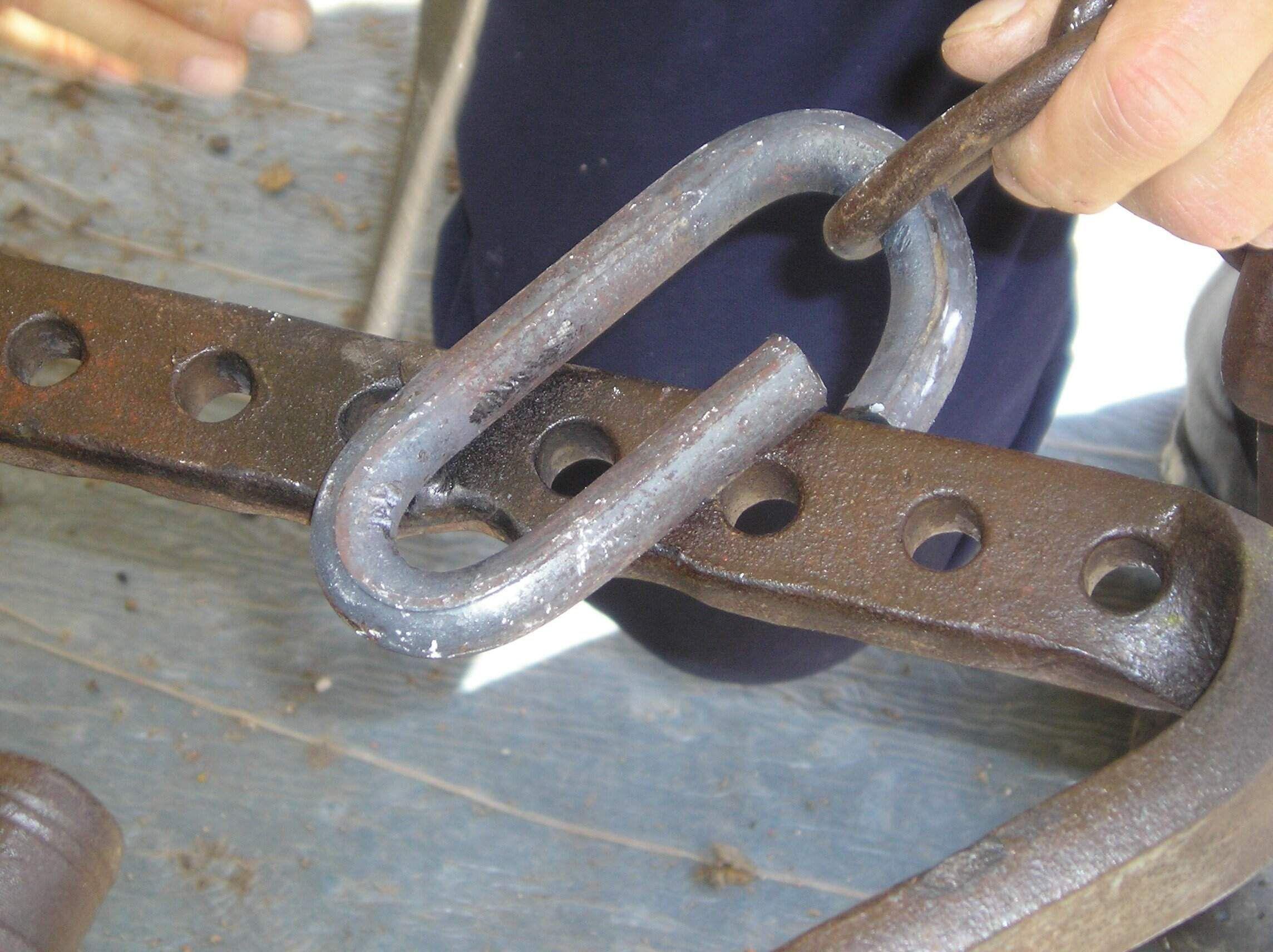 14 - inserimento dell'anella.