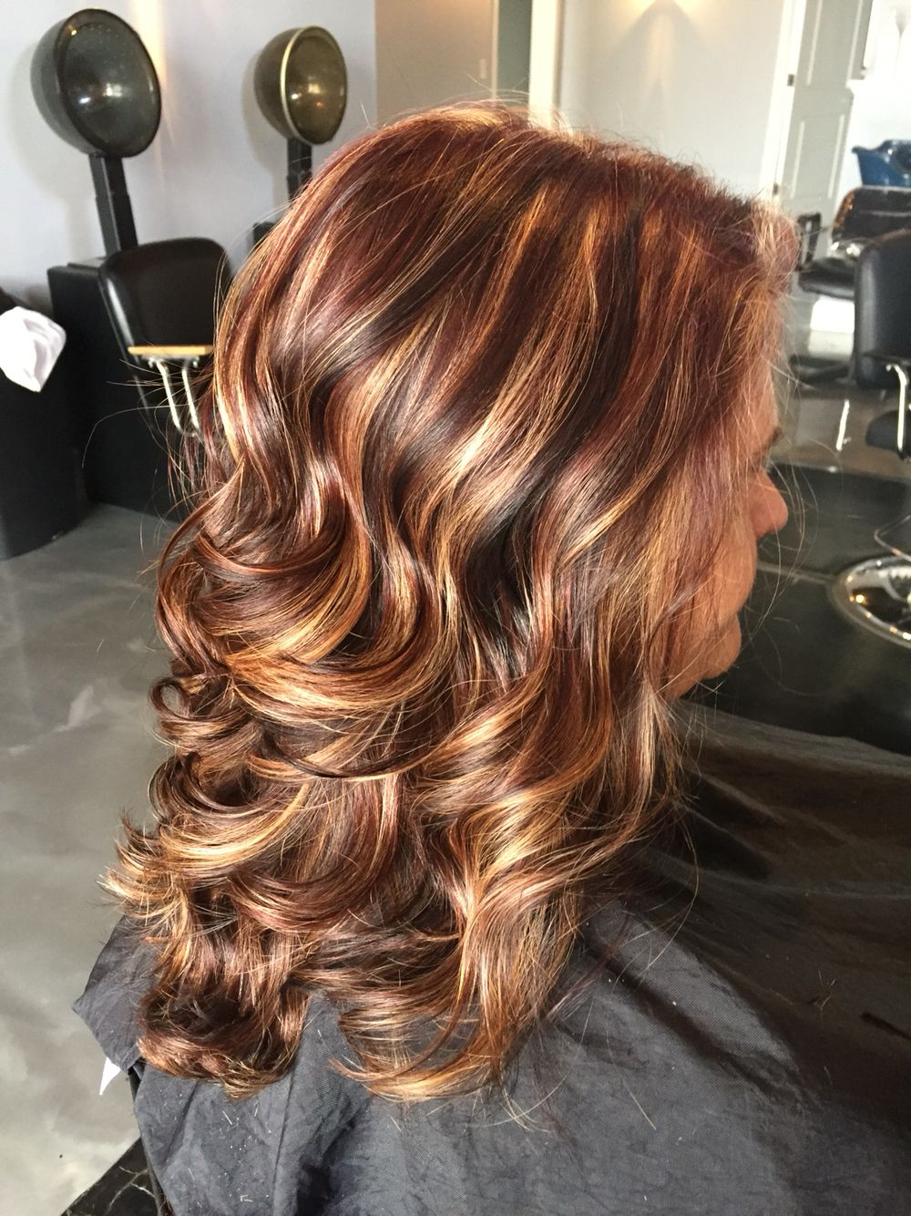 Maghagony All Over Base With Thick Chunky Honey Highlights And Chunky Dark Brown Lowlight Hair Highlights And Lowlights Blonde Hair With Highlights Hair Styles