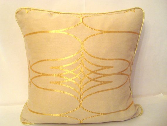 Luxury gold decor  Sparkly pillow 20x20 with gold by SABDECO, €27.00
