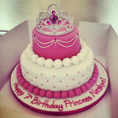 صور تورتة اعياد الميلاد 2019 أجمل صور تورتة عيد ميلاد صور تورتة عيد ميلاد عليها اسما Happy Birthday Princess Cake 7th Birthday Cakes Princess Birthday Cake