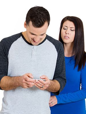 Is He Cheating? 28 Signs He's Cheating (Husband, Boyfriend