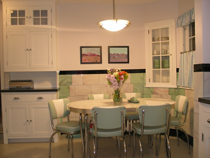 Retro Kitchen Table Chairs White Vintage Look Space Saving - Retro kitchen tables and chairs