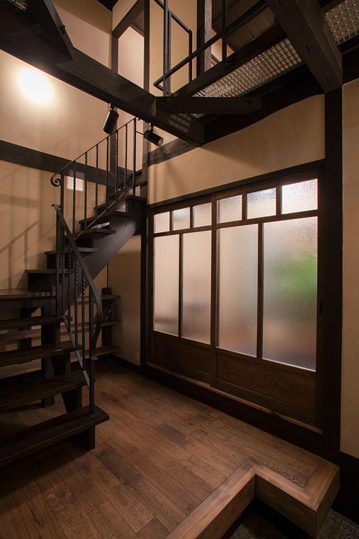 モダニズム町家 回廊の家 施工事例 伝統的な日本家屋 階段の