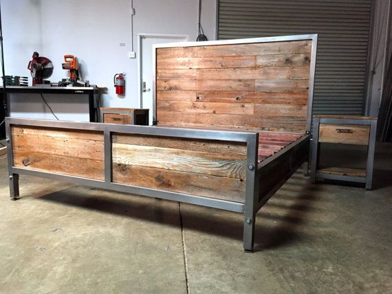 reclaimed wood and metal industrial bed modern classic vintage werkstatt einrichtung shop. Black Bedroom Furniture Sets. Home Design Ideas