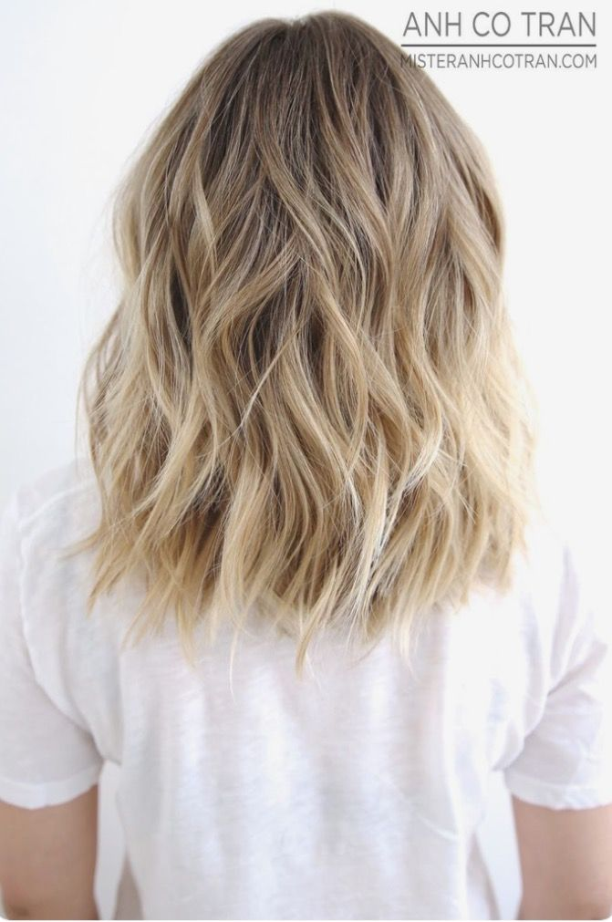 Medium To Long Wavy Brown Blonde Hair Beachy Waves Honey Balayage This Style Could Last A Days Just Spritz Some Dry Shampoo On Roots And