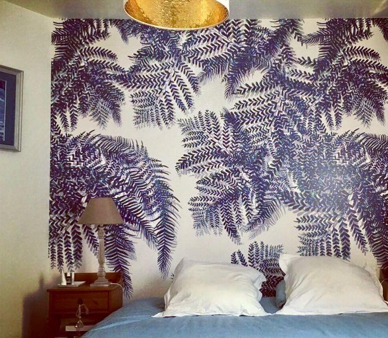 Le décor mural Wildland et ses magnifiques fougères bleues dans une - dessiner sa chambre en d