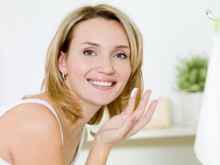 Las 3 mejores cremas antiarrugas caseras para tu rostro..