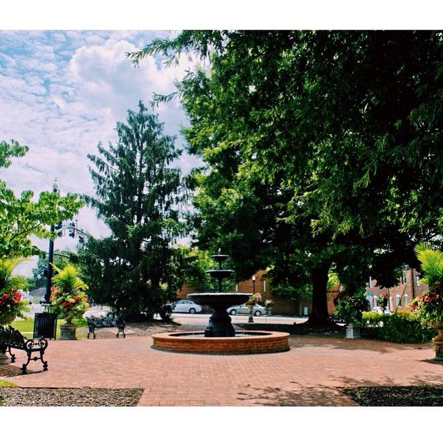 Alpharetta's Southern charm is too pretty not to Instagram.  Share your favorite shots of downtown with #AwesomeAlpharetta.
