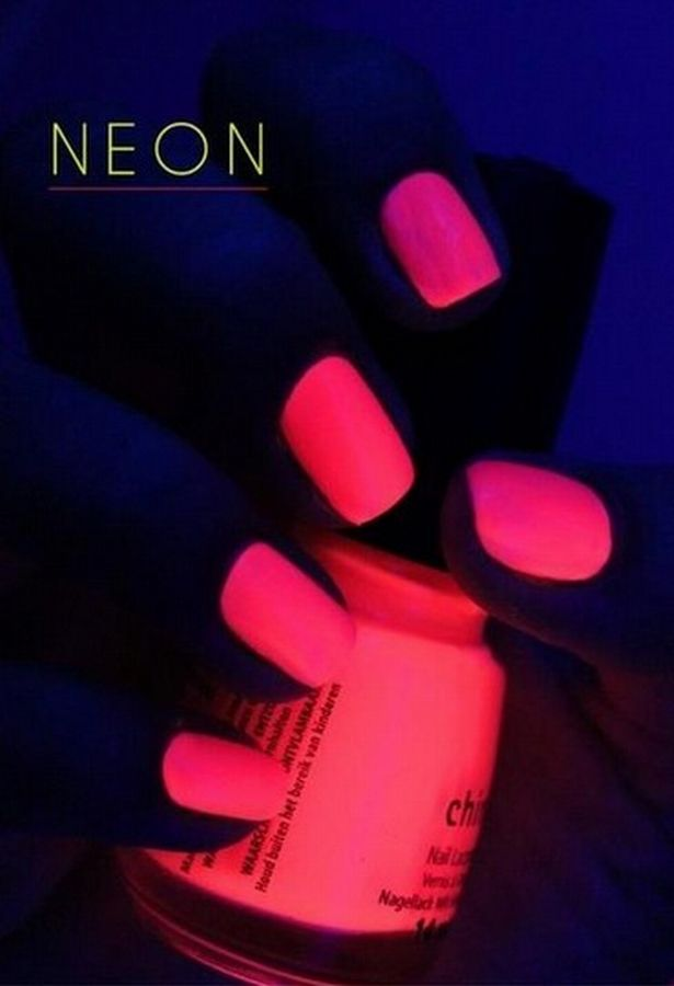 Fantastic Hot Pink Glow In The Dark Nail Polish Glow Nails Neon Pink Nails Neon Nails