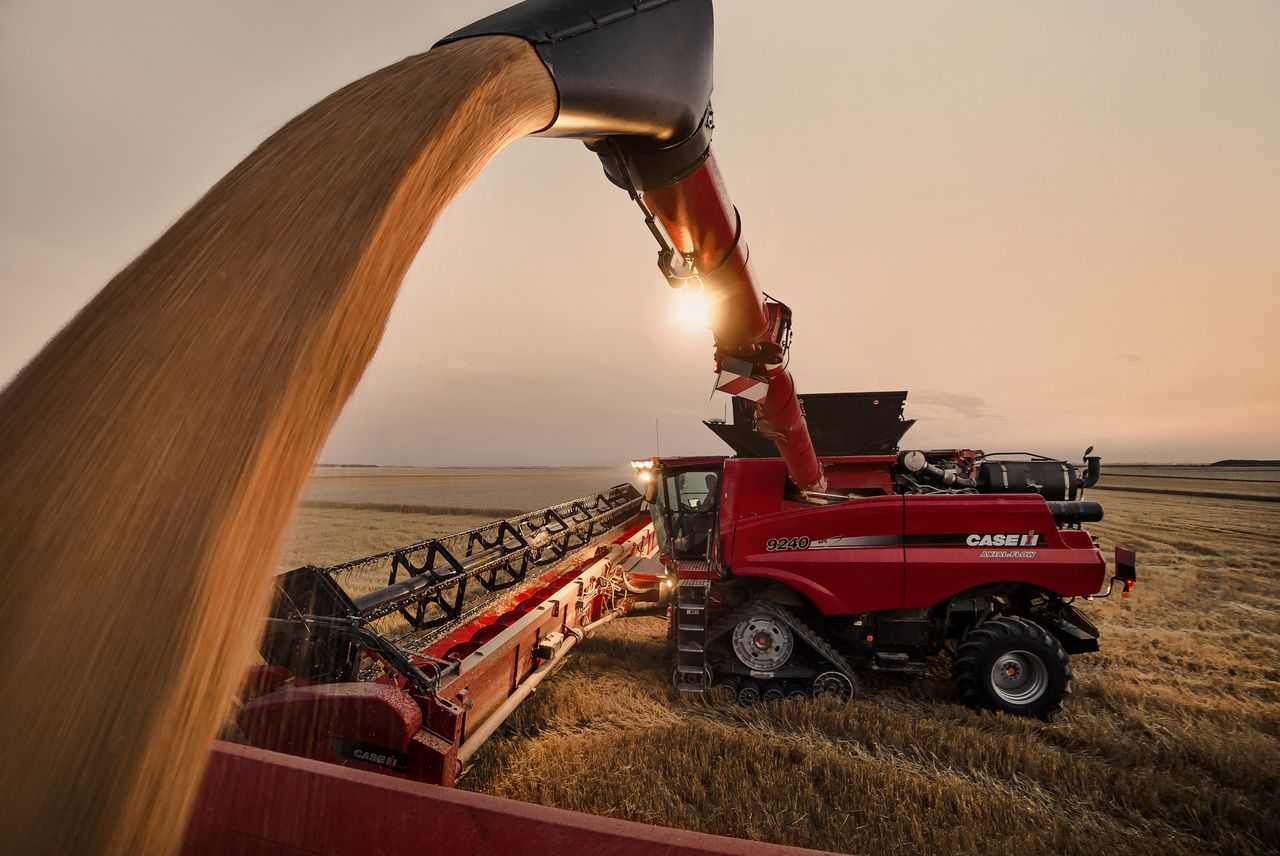 Biggest combine harvesters in the world : CASE IH 9240 ...