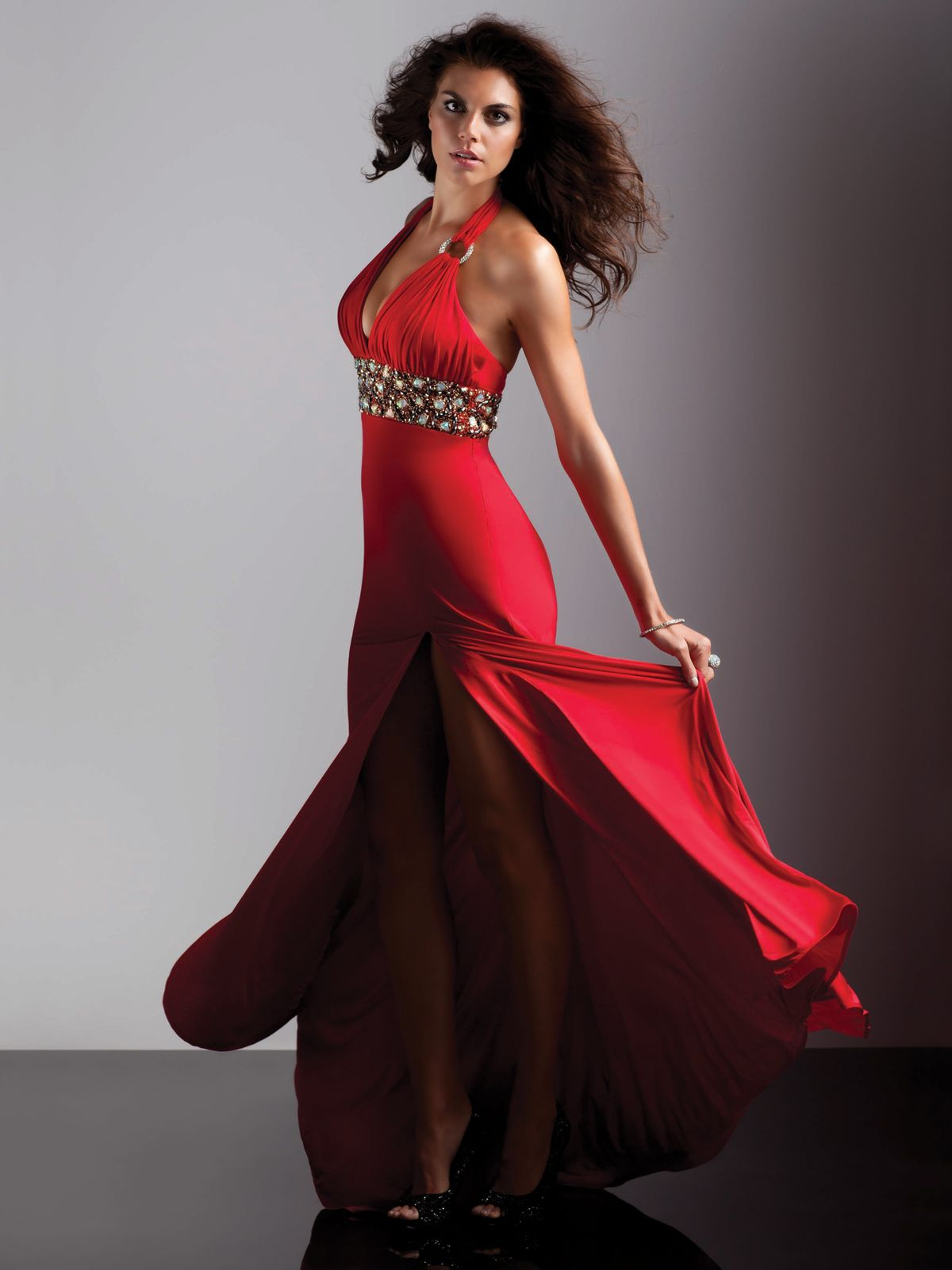 Wear this outstanding prom dress and you will be the envy of the