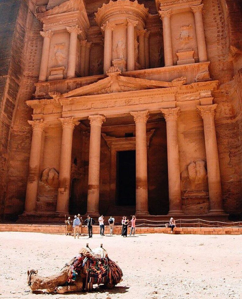 Educational field trips with the @pepperdinelondon involve going to Jordan. Incredible. Thank you @hannah_kellis for sharing! #pepperdineip #studyabroad by pepperdineip