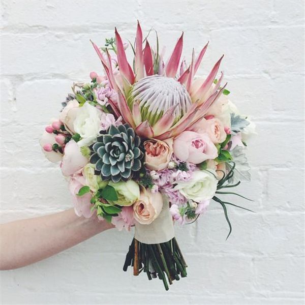22 Tropical King Protea Wedding Bouquets Ideas Weddinginclude Protea Bouquet Protea Wedding Wedding Bridal Bouquets