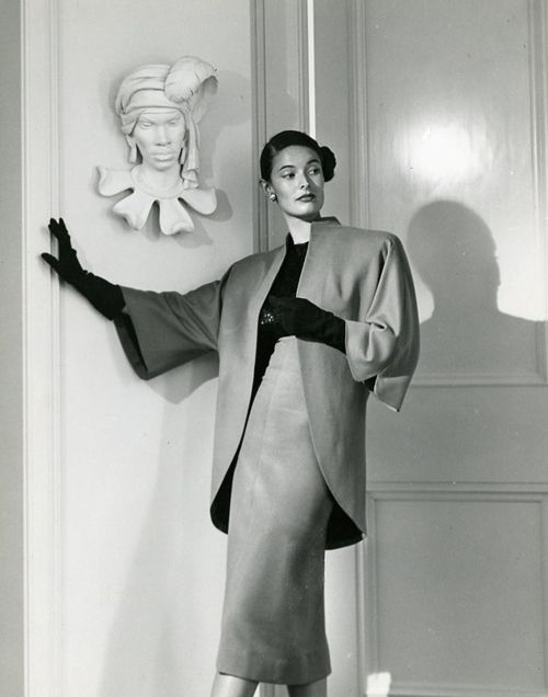 Adrian suit, 1940s. and take a look at that bust in the background. all I can say is wow!