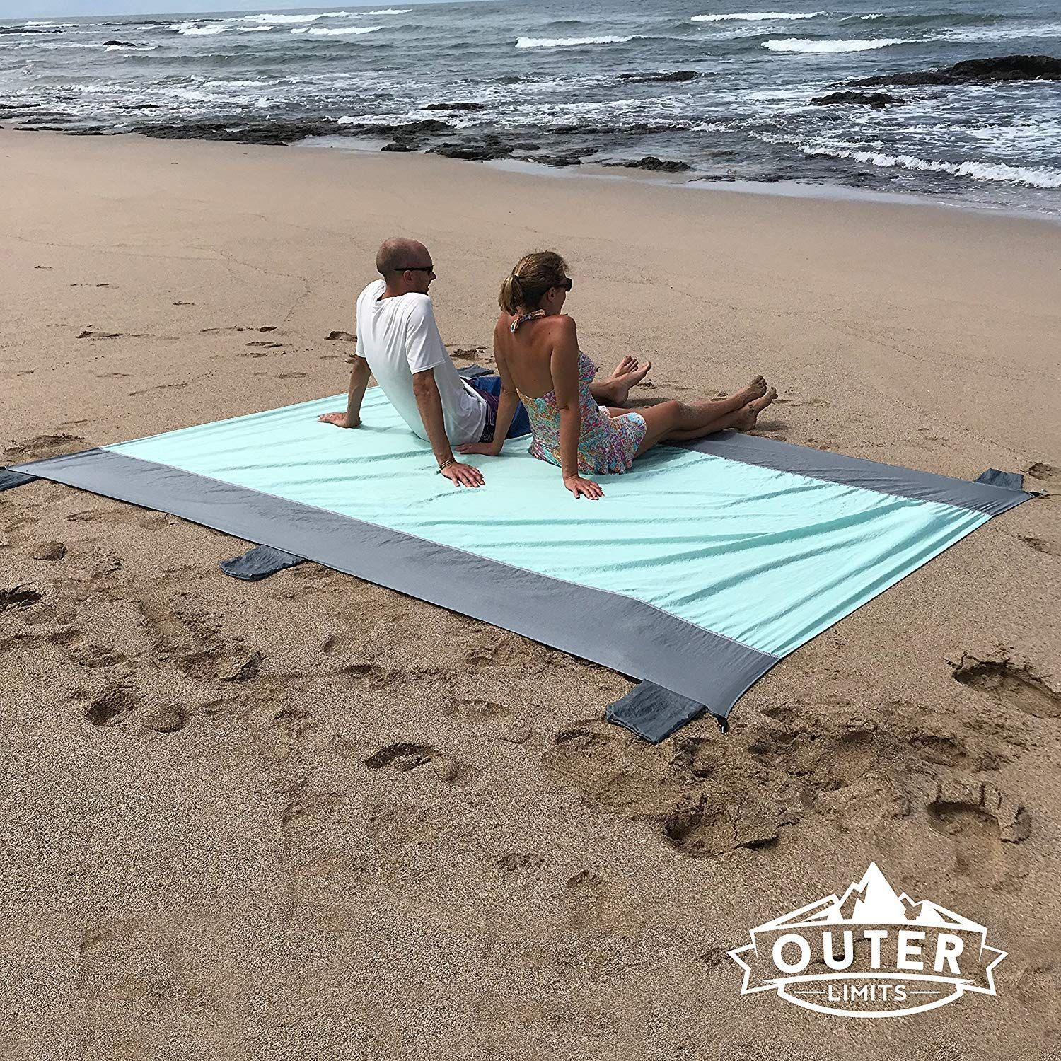 Sand Free Beach Blanket There Are Pockets Along The Edges You Can Fill With Sand To Weigh Down This Lightweight Camping Blanket Beach Blanket Travel Blankets