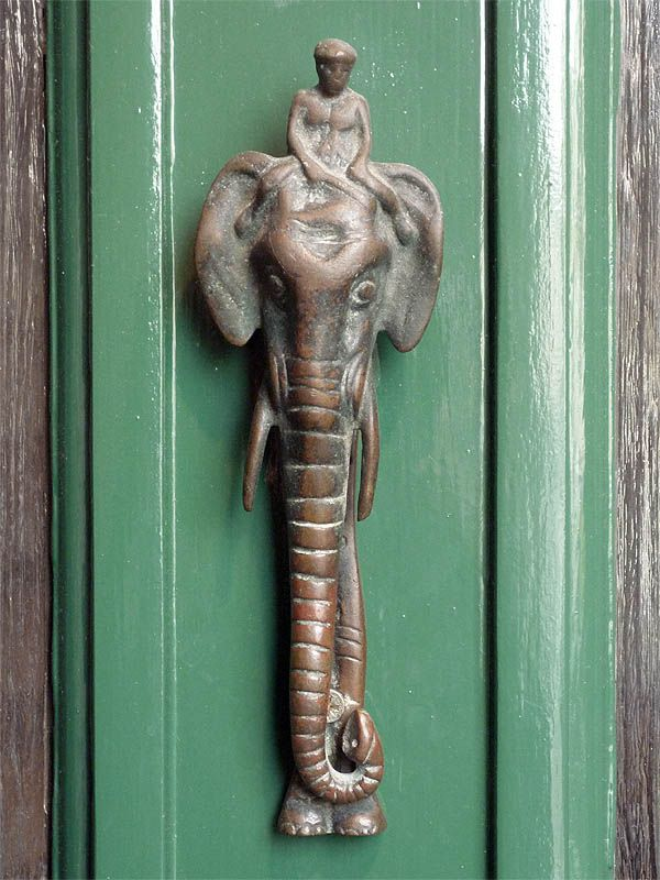 Elephant Knocker - Love this door knocker and the colour it is on