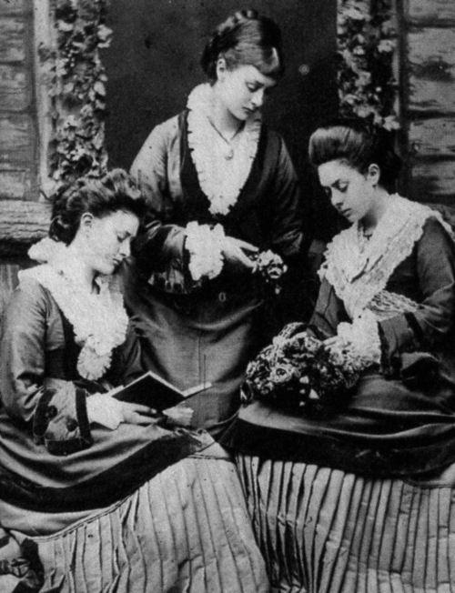 The Liddell sisters not a Dodgeson print  2ae756e2e6a