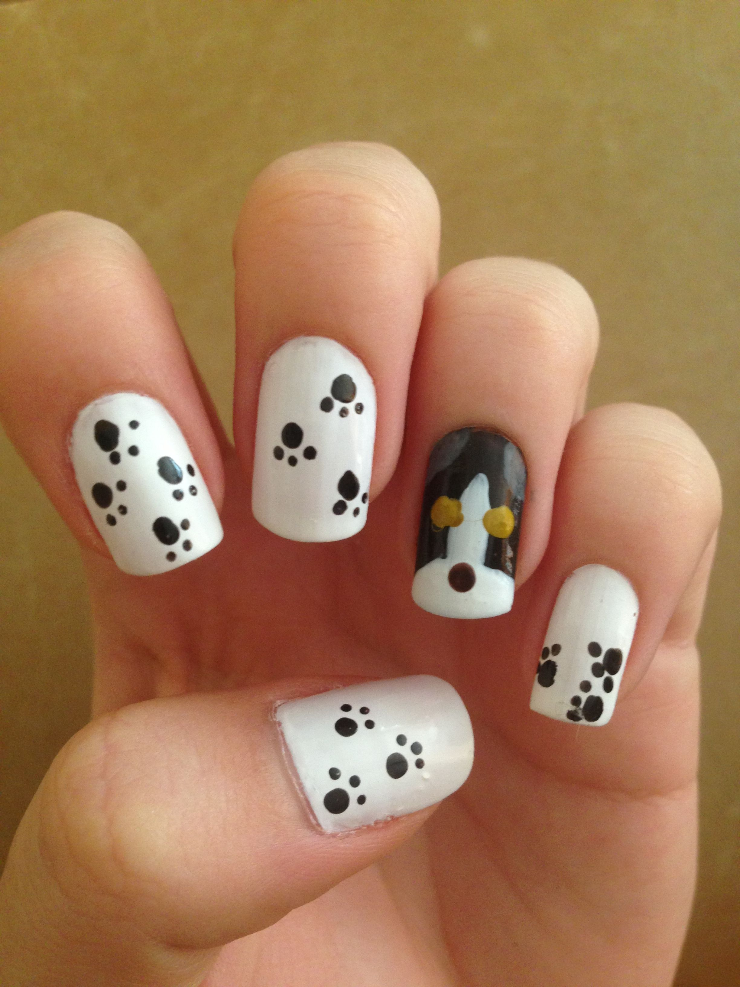 Paw prints and puppy | Nail art!! | Pinterest