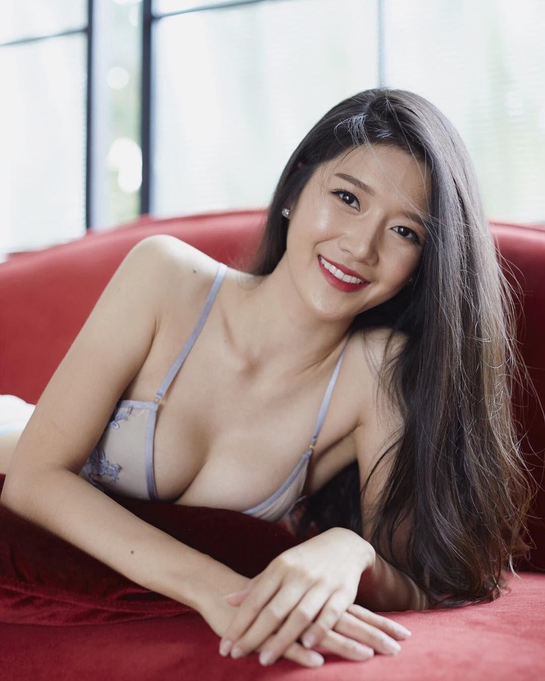 String bikini tits porn