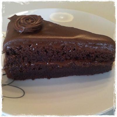 Mat på et fat matblogg.: Deilig sjokoladekake med dumlekrem.