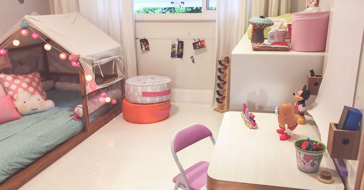 www.projetodegente.com.br quarto menina, decoração, almofadas, cama, porta maternidade #portadematernidade #menina #nossosprodutos #projetodegente #personalidade #decoração #papeldeparede #quartoinfantil #designforkid #almofadas #luminárias #brinquedos #quadros #dicasdedecoração #quartoinfantil #quartocriança