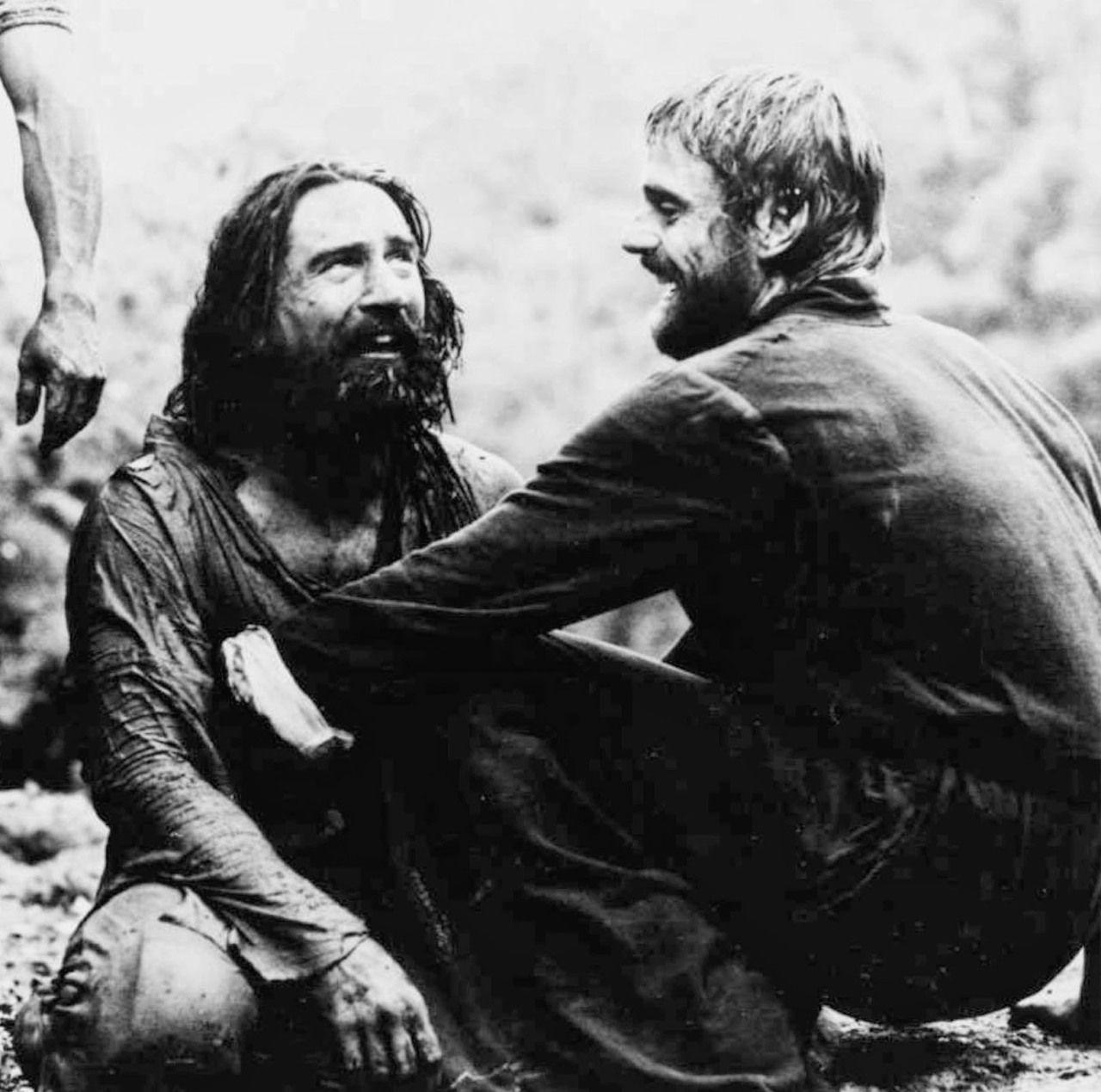 """Robert de Niro y Jeremy Irons en """"La Misión"""" (The Mission"""