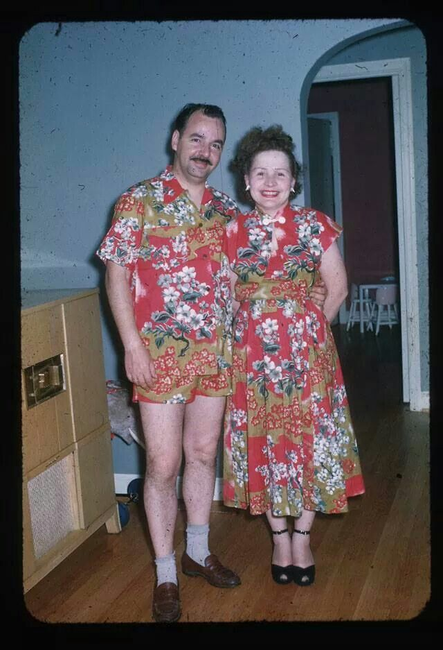 Vintage Photo Photograph Pic Picture Retro Hawaiian Shirt Matching Outfit Outfits Couple 1960 1969s 1970 Awkward Family Photos Awkward Photos Matching Outfits