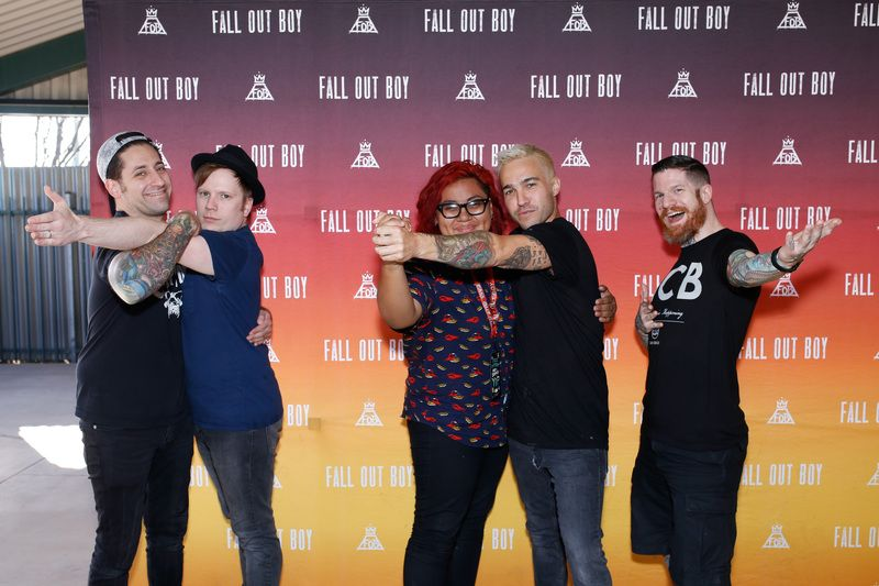 Fall out boy best meet greet poses pinterest fob band music songs fall out boy m4hsunfo Choice Image