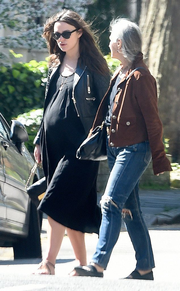 523763d82c0e0 Bump, There It Is! from Keira Knightley's Pregnancy Style   Style ...