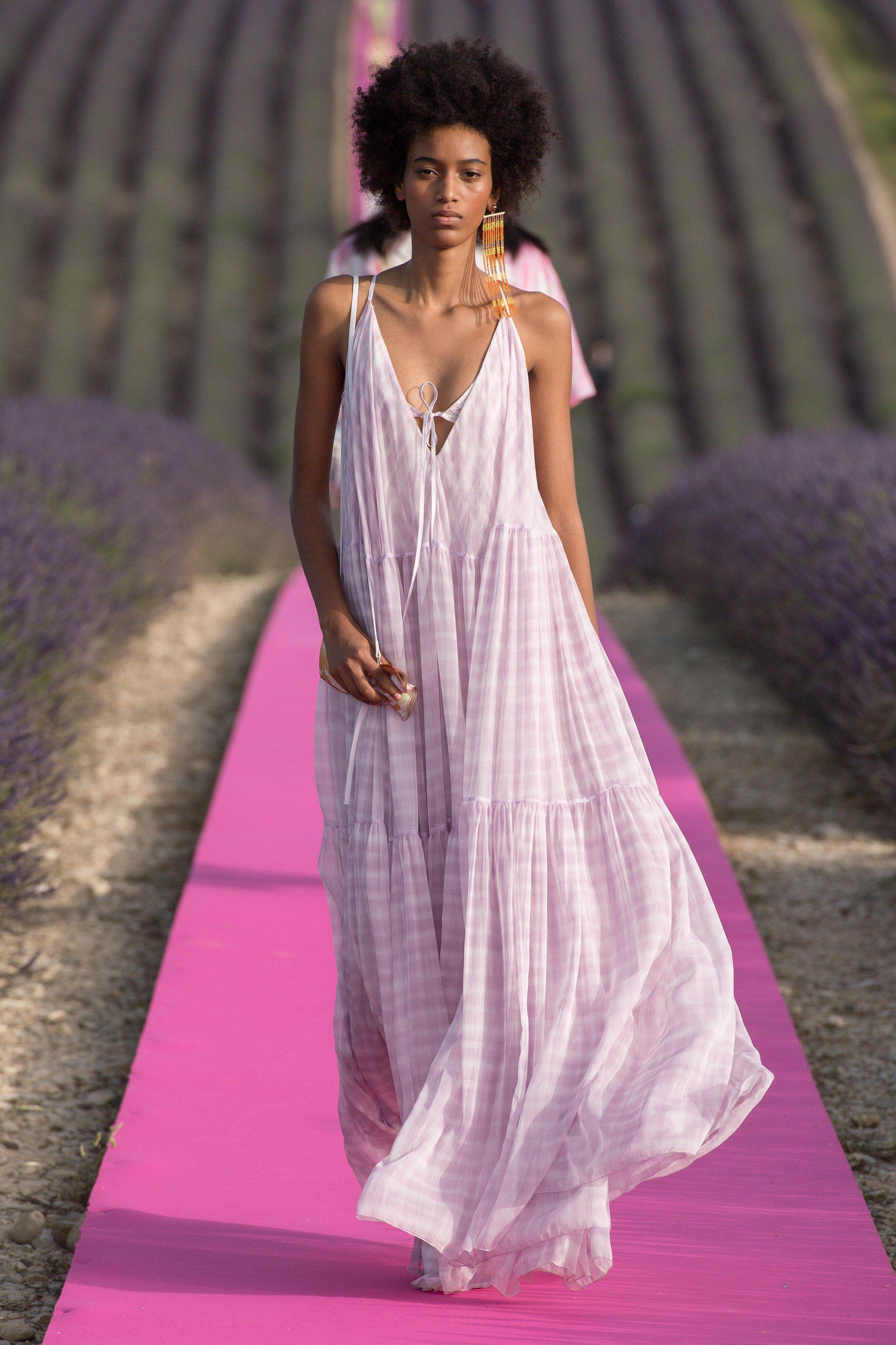 luftiger kleider-trend im sommer 2020: nightgown dresses