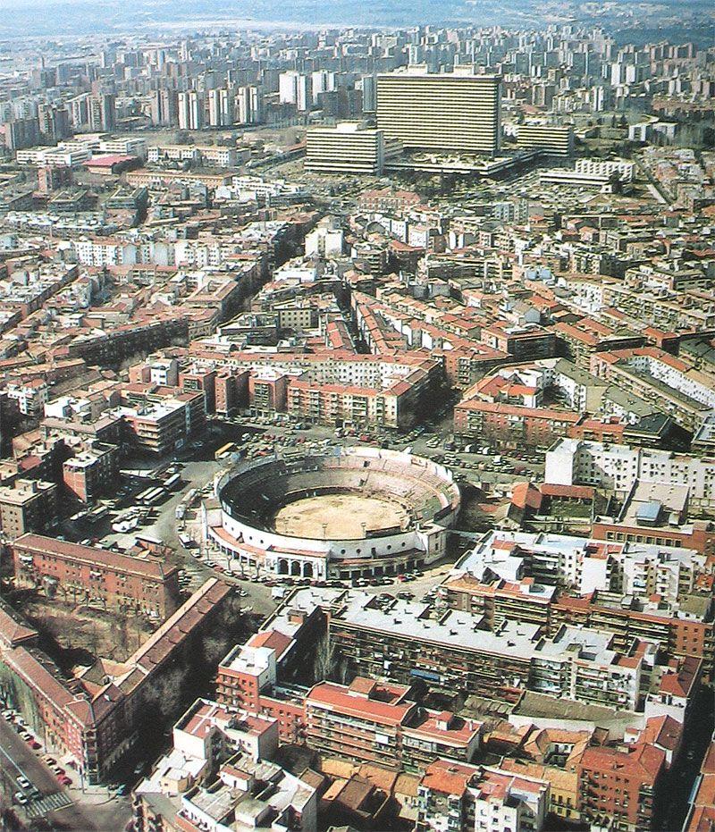 www.madridantiguo.org www.madridantiguo.es https://www.facebook.com/ciudadyarrabal   Carabanchel en los 70, con Plaza de Toros Vista Alegre