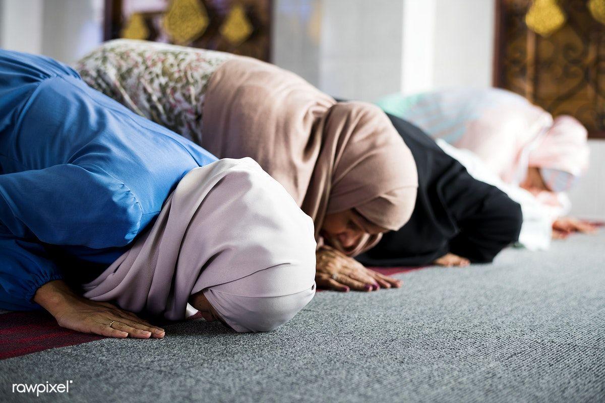 Download premium photo of Muslim women praying in the ...