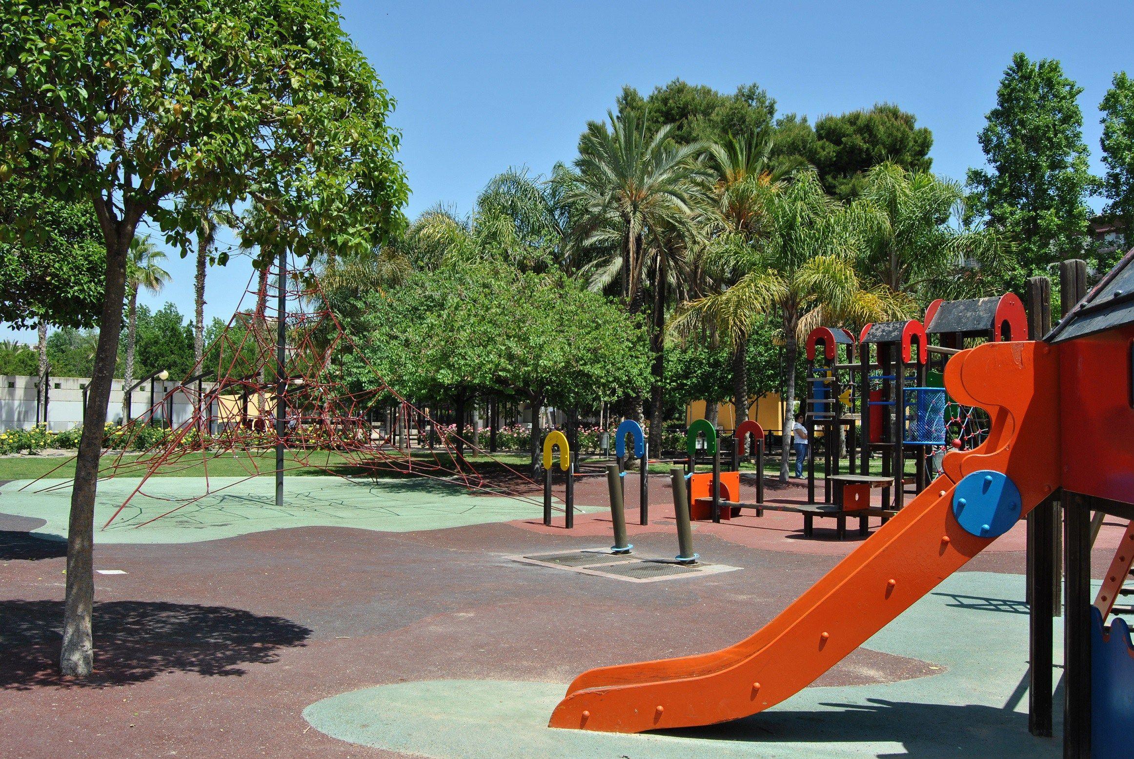 Fuente Jessicalandete Wordpress Com Parques Infantiles Parque Infantil Al Aire Libre Parques