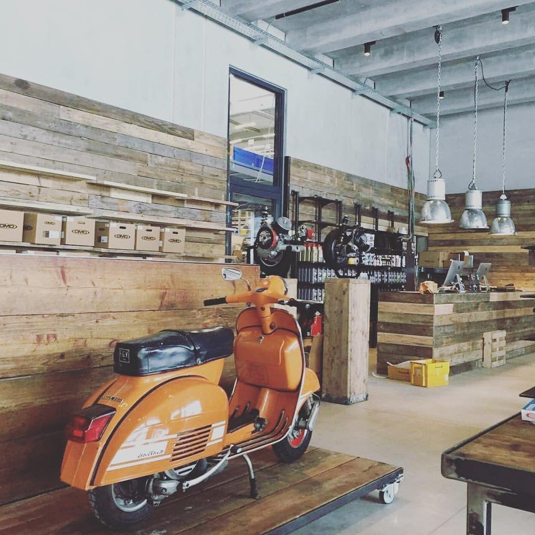Instagram Photo By Lovemyvespa May 21 2016 At 2 55pm Utc Vespa Lambretta Vespa Vintage