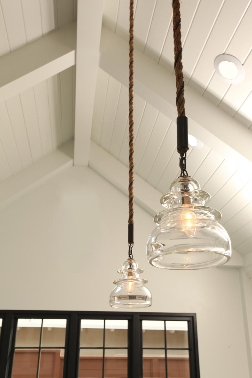 Country Pendant Lights In Transitional Farmhouse Kitchen Farmhouse Pendant Lighting Rustic Pendant Lighting Farmhouse Light Fixtures