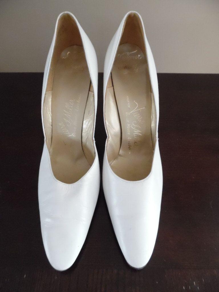 10f6e10d5d0ad Bridal Pumps, Vintage 1960s Designer Shoes, Cream Colored Court Shoe ...