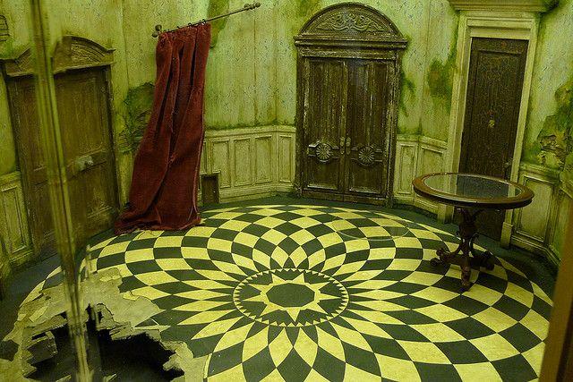 Alice In Wonderland Touring Exhibit Pais De Las Maravillas Fondo De Pantalla Disney Alicia En El Pais