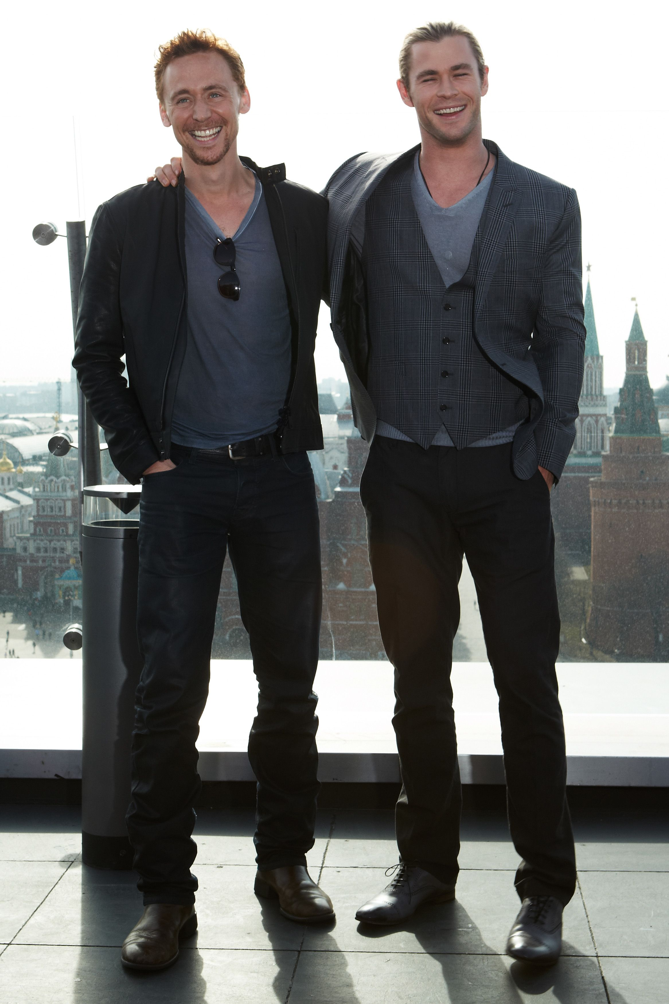 Tom Hiddleston & Chris Hemsworth | Hiddleston | Pinterest ...