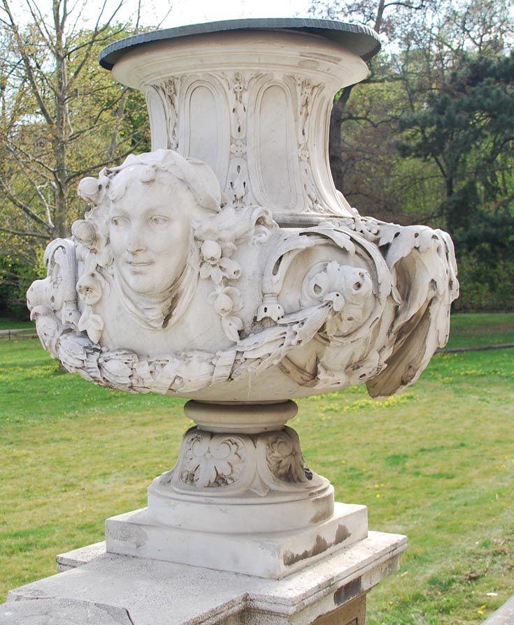 Вазы из парка дворца Лихтенштейн, Вена ornament_i_stil