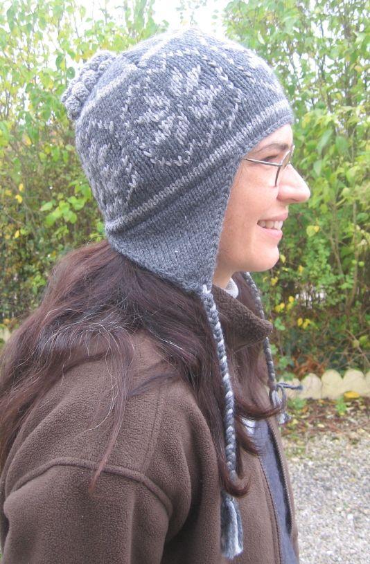 Un bonnet qui tient bien chaud aux oreilles, décoré avec un jacquard  norvégien, 2