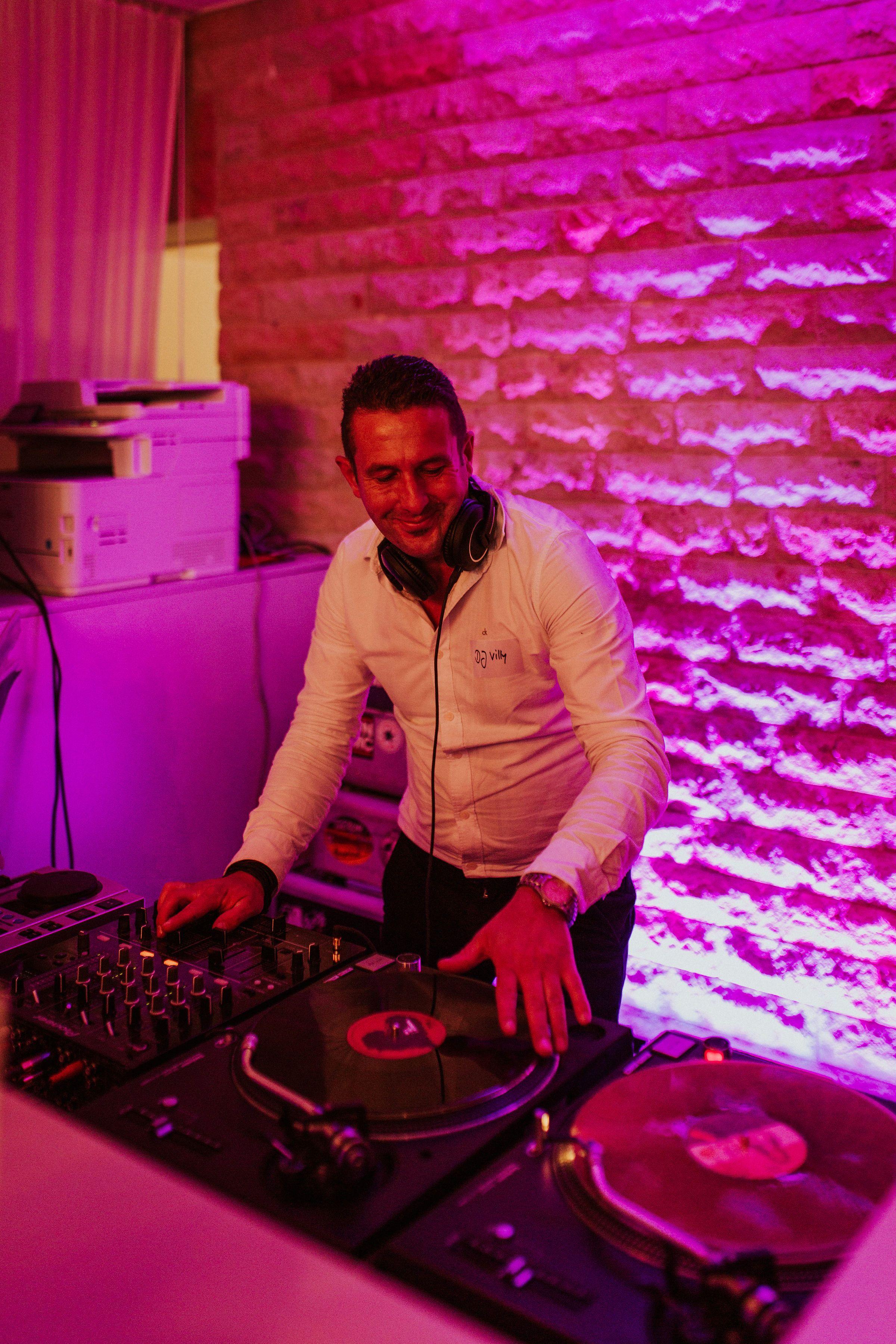 Ich Bin Vinyl Dj Fur Hochzeiten Im Raum Nrw Dusseldorf Dj Hochzeits Dj Brautpaar